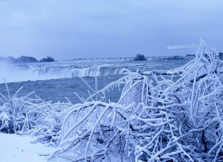 chutes niagara hiver glace