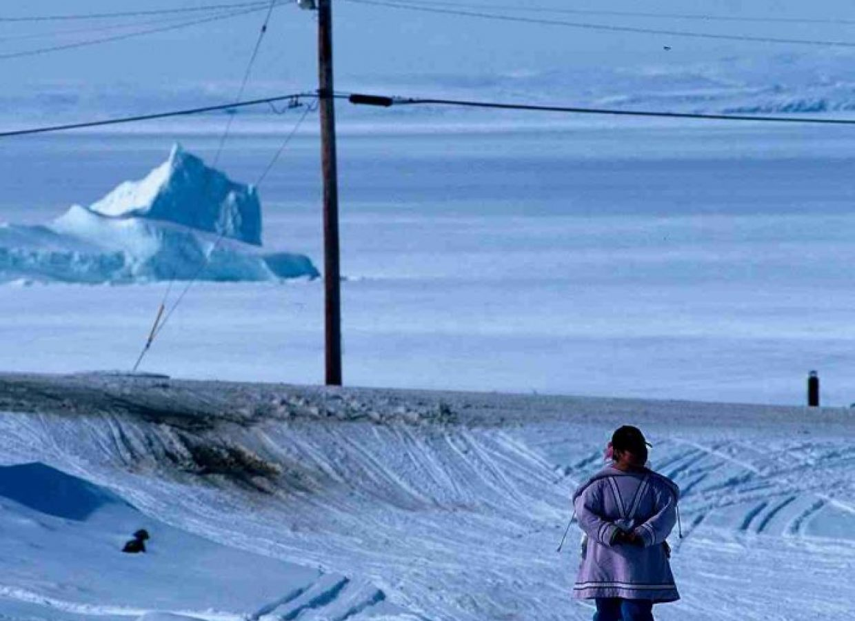 iceberg femme nunavut