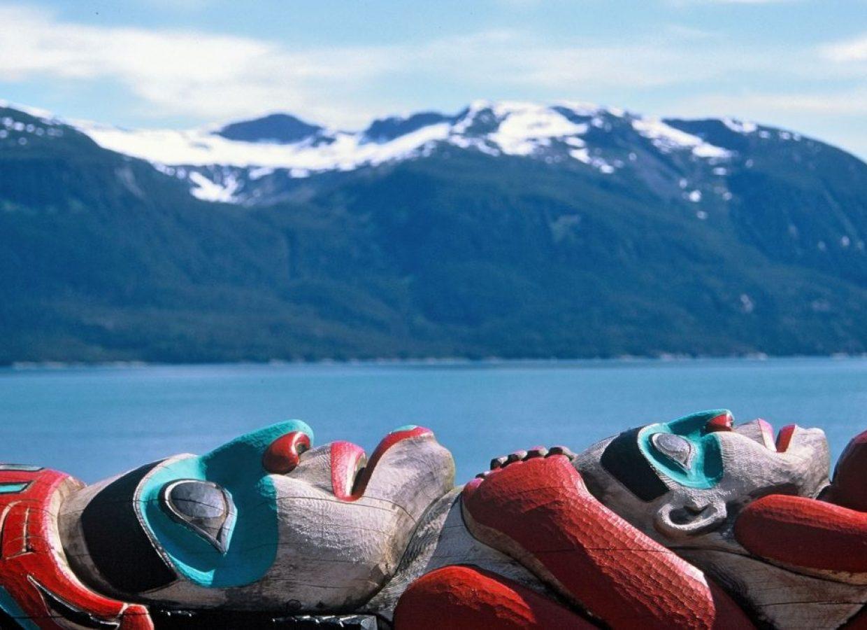 canada totem montagnes