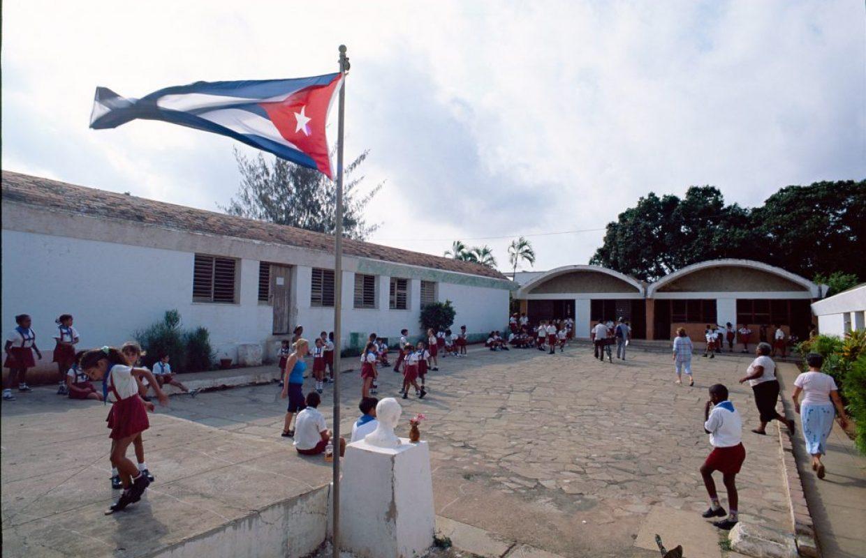 ecole drapeau cubain